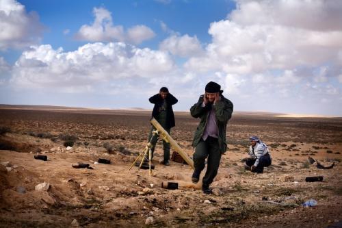 Combates en el frente libio. Foto de Unai Aranzadi.